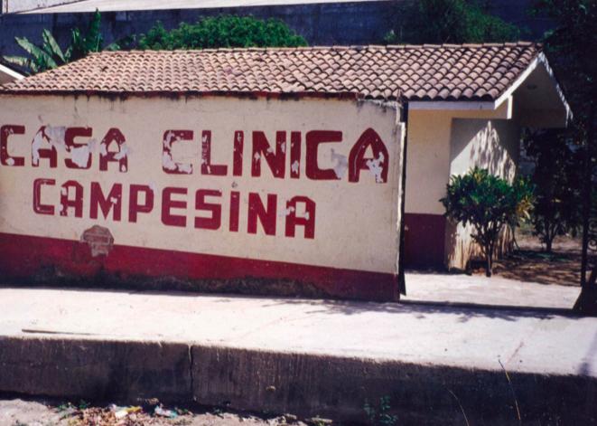 En esta casa se dio tratamiento integral a pacientes de escasos recursos económicos, con médicos egresantes de universidades mexicanas y extranjeras.  Acreditación de foto: Foto: Archivo Casa Clínica Campesina